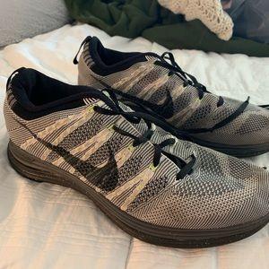 Nike FlyKnit Lunar 3 Running Shoes (Womens)